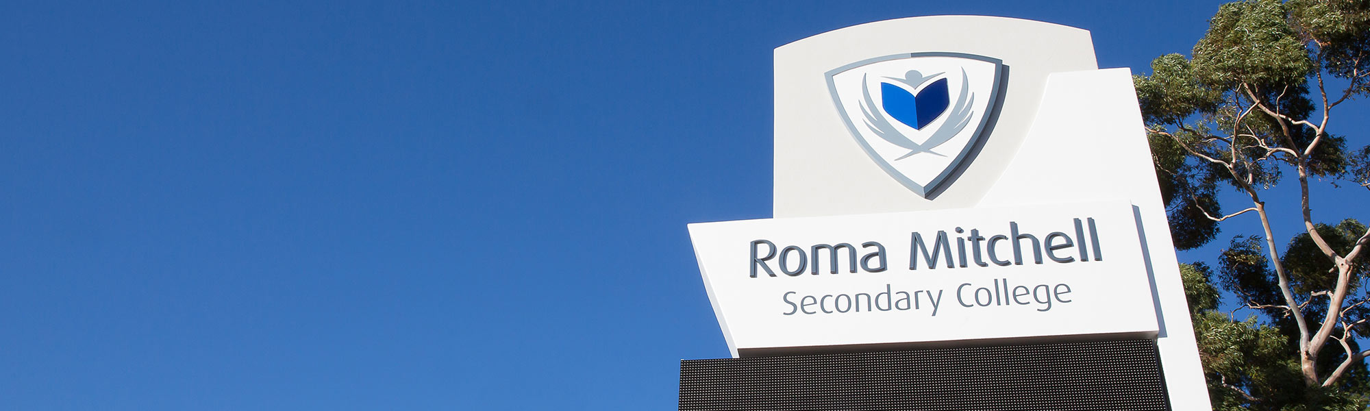Roma Mitchell Secondary College Signage